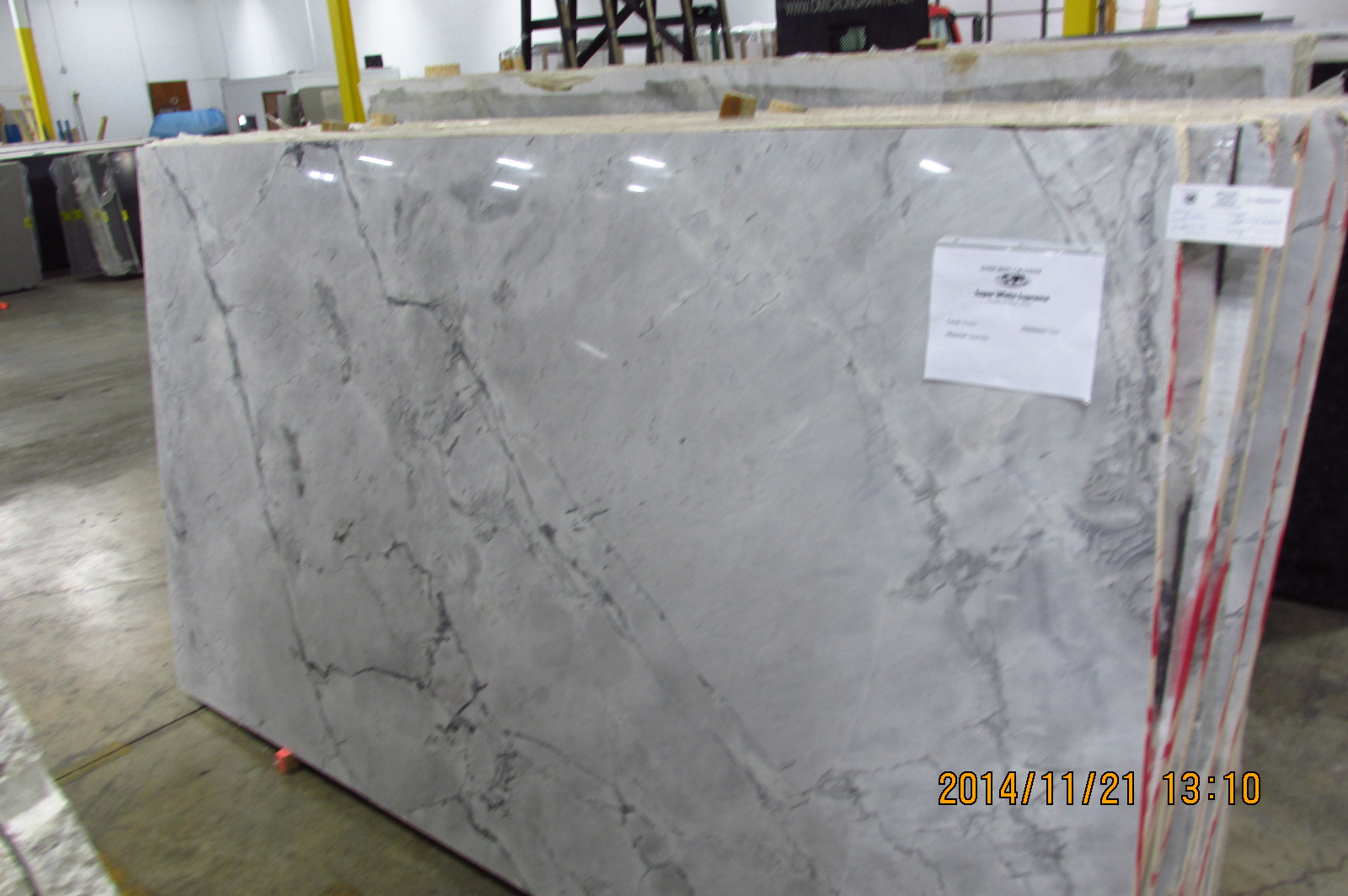 Super White Supreme Omicron Granite Tile