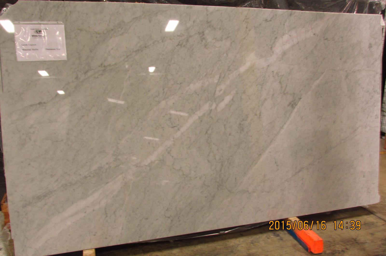 White Carrara Omicron Granite Tile